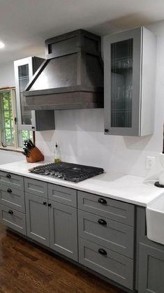 Shaker Kitchen Cabinets, Kitchen Cabinet Styles, Kitchen Redo, Home Decor Kitchen, New Kitchen, Home Kitchens, Kitchen Remodel, Dark Grey Kitchen Cabinets, Gray And White Kitchen
