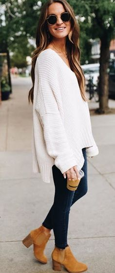 40 Adorable Fall Outfits To Inspire Yourself 2019 womens white cable-knit sweater blue denim skinny jeans with pair of brown suede chunky booties outfit The post 40 Adorable Fall Outfits To Inspire Yourself 2019 appeared first on Outfit Diy. Winter Sweater Outfits, Fall Winter Outfits, Autumn Winter Fashion, Fashion Fall, Winter Clothes, Winter Style, Winter Dresses, White Sweater Outfit, Casual Winter