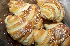 Cornuri aperitiv cu cascaval — Alina's Cuisine Pretzel Bites, Doughnut, Biscuits, French Toast, Gluten, Bread, Cooking, Breakfast, Desserts