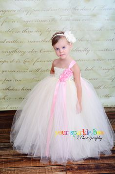 use this pattern for Gracie's dress!! put flowers on bodice!