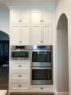 Interior Design Kitchen The Best White Kitchen Cabinet Design Ideas To Improve Your Kitchen 18 - Refacing Kitchen Cabinets, Farmhouse Kitchen Cabinets, Farmhouse Style Kitchen, Kitchen Cabinet Design, Interior Design Kitchen, Rustic Farmhouse, Kitchen Cabinetry, Rustic Kitchen, Gray Cabinets