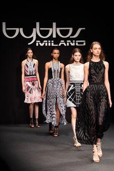 Manuel Facchini porta in passerella l'etno sport con Byblos Milano - http://www.2fashionsisters.com/manuel-facchini-etno-sport-byblos-milano/ - 2 Fashion Sisters Fashion Blog - #ByblosMilano, #CristinaDePin, #ManuelFacchini, #Mfw