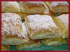 Listové bochánky s krémem Slovak Recipes, Czech Recipes, Russian Recipes, Pastry Recipes, Cooking Recipes, Bread Dough Recipe, Danish Food, Breakfast Bake, Sweet And Salty