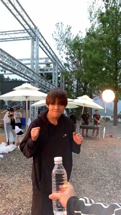 Bts taehyung video such a disappointment? Bts Taehyung, Bts Jungkook, Kim Taehyung Funny, Daegu, Foto Bts, V Bts Cute, V Video, V Bts Wallpaper, Wallpaper Quotes