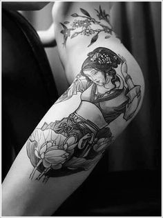 In some designs, you can see the Geisha with fans and umbrellas symbolizing nobility. Even some creatures from the Chinese myths such as the dragon and the tiger, are also associated with Geisha and make the tattoo more lively and meaningful.