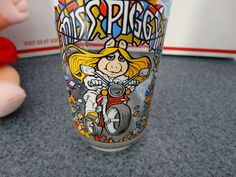 2 VINTAGE MISS PIGGY ITEMS~ STUFFED 1987 ~ GLASS 1981 MUPPETS DRINKING GLASS