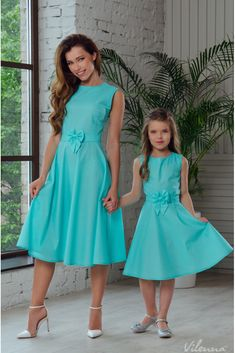 Customization orders, WhatsApp us on Mother Daughter Pictures, Mother Daughter Matching Outfits, Mother Daughter Fashion, Mom Daughter, Mom And Baby Dresses, Little Girl Dresses, Girls Dresses, One Piece Frock, Mommy And Me Shirt