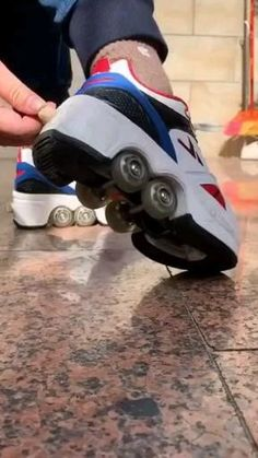 Roller Skate Shoes, Roller Skating, Light Up Roller Skates, Fashion Shoes, Fashion Outfits, Cool Gadgets To Buy, Cool Inventions, Cute Shoes, Boy Shoes