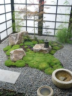 Would you try your hand at a miniature Asian-inspired rock garden?