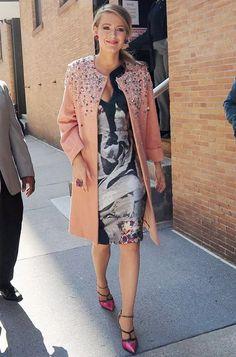 blake-lively-street-style-scarpin-pink-look