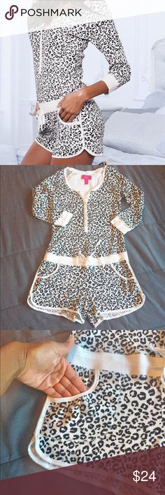 VS Cheetah Pajama Romper!! Super cute and comfy VS romper that's perfect for lounging!! Features adjustable tie waist and functioning front pockets! Gently used condition!! Victoria's Secret Intimates & Sleepwear Pajamas