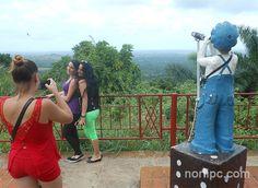 En el mirador principal del Parque Escaleras de Jaruco