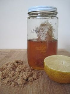 A great deep exfoliating cleanser with the citric acid in lemon and the gluconic acid in honey. Bye Bye dead skin!