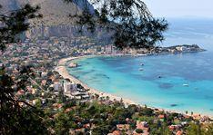 Il mare di #Palermo la bellezza di #Mondello www.interludehotels.it