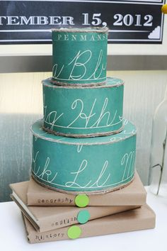 chalkboard cake.... awesome design!