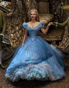 b03fdb56ce3 Les plus belles robes bleues du cinéma. Cendrillon FilmPrincesse  CendrillonRobes De Bal ...