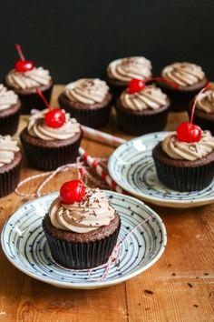 Recipe: DIY Cupcake Recipes / DIY Dr. Pepper Cupcakes - tableFEAST