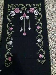 This Pin was discovered by Nur Cross Stitch Needles, Cross Stitch Embroidery, Cross Stitch Designs, Cross Stitch Patterns, Border Embroidery Designs, Monks Cloth, Free To Use Images, Prayer Rug, Cross Stitch Flowers