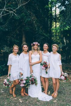 Loving these bridesmaids in mixed white dresses