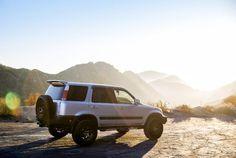 475 hp turbo 1998 Honda CR-V built for off-road adventure Daddy Yankee, My Dream Car, Dream Cars, Honda Crv 4x4, Safari, 4x4 Wheels, Off Road Adventure, Cr V, Custom Trucks