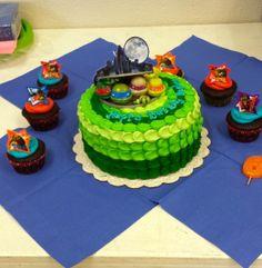 teenage mutant ninja turtle cake and cupcakes