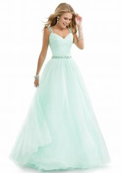 So pretty! I can totally see this color for a potential wedding dress instead of prom! Absolutely gorgeous!