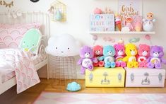 Just had to share some more pics of one of the latest additions to Ebba's room - her pastel rainbow suitcase from Kidsboetiek . It's no secret I'm weak for the pastel colour palette but this suitcase is pretty amazing don't you think? .