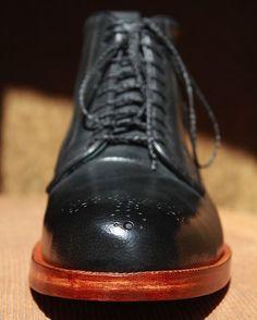 #castezermili #shoemaker #bespoke #ankleboots #doublesole #mensboots #mensfootwear#mensstyle #stylish #dapper #dapperstyle #MTM #customfit #benchmade #handmade #unique #leather #CDMX #guadalajara #queretaro #monterrey #mywork #vintage #traditional #luxury #highend #gentleman #dandy #dandystyle #crafts