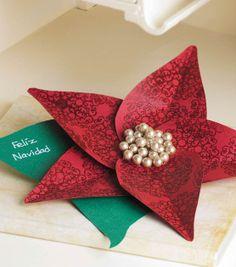 A pretty poinsettia holiday card! #fabulouslyfestive