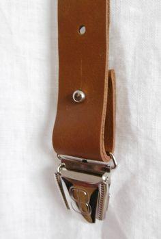 Créateur de newsletter Responsive Design de SendinBlue Newsletter Responsive, Watches, Leather, Accessories, Design, Fashion, Leather Apron, Leather Suspenders, Moda