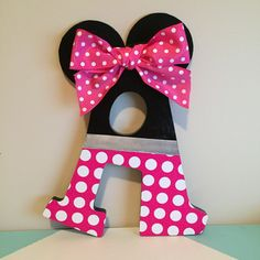 Wooden Letter Crafts, Painting Wooden Letters, Diy Letters, Painted Letters, Decorated Wooden Letters, Decorate Letters, Minnie Mouse Room Decor, Minnie Mouse Theme, Mickey Mouse