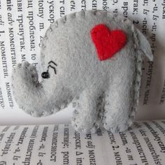 brooch :) mini Dumbo $7