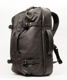 Nomad travel bag by Daniel Valsesia at Coroflot.com