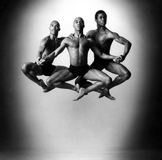 Alvin Ailey Dance Theater © Andrew Eccles