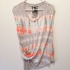 Young, Fab, & Broke Such a fun top to wear with jeans or shorts for an all day wear! Young Fabulous & Broke Tops