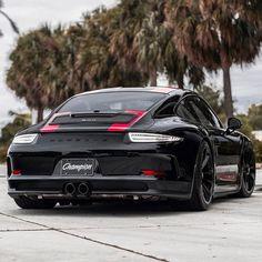 Evil looking Porsche 911R!