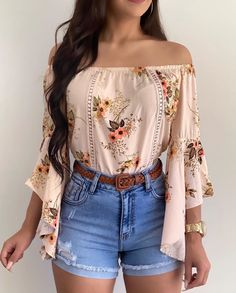 Blusa ombro a ombro nessa estampa lindíssima que chegou agora nas lojas ? Foto Blusa ombro a ombro Short jeans e cinto… Blusa ombro a ombro nessa estampa lindíssima que chegou agora nas lojas ? Foto Blusa ombro a ombro Short jeans e cinto… Teen Fashion Outfits, Cute Casual Outfits, Girly Outfits, Mode Outfits, Cute Summer Outfits, Short Outfits, Cute Fashion, Outfits For Teens, Stylish Outfits