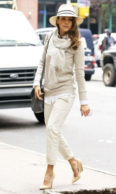 All white is an extra stylish choice as shown by Jessica Alba | What to wear on Valentine's Day: 30 Great Outfit Ideas