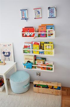 The video consists of 23 Christmas craft ideas. Boy Toddler Bedroom, Baby Bedroom, Kids Bedroom, Diy Bedroom Decor, Wall Bookshelves Kids, Montessori Toddler Rooms, Ikea Home, Childrens Room Decor, Big Girl Rooms