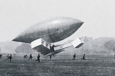 The Brazilian Alberto Santos-Dumont was a very successful airship pioneer Motor A Gasolina, Interview Images, Airplane News, Jm Barrie, Air Machine, Old Pictures, Vintage Pictures, Vintage Images, Flying Ace
