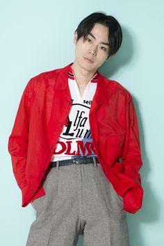 映画にドラマ、CMと、数々の話題作に出演し、今最も勢いのある俳優・菅田将暉さん。今回は、公開を控えた映画『帝一の國』の製作秘話に加え、独自のファッションセンスにも定評のある菅田さんのプライベートスタイルを直撃インタビュー!