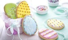 Wiosenne kreacje Dr. Oetker Polska #droetker #WielkanocneWypieki #EasterEggs #EasterCookies Easter Cookies, Easter Eggs, Biscuits, Desserts, Food, Ge Bort, Barn, Google, Food Coloring