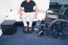 4220054 Tuntable Turn EZ. Strong and lightweight turntable provides easy rotation. Swivels 360° for smooth and easy moving in any direction. It enables the transfer for a person safely by helper from chair to bed or car to avoid back strain.