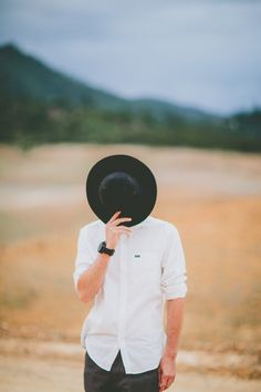 this must be the afterlife Alone Photography, Portrait Photography Poses, Creative Photography, Creative Profile Picture, Young Boys Fashion, Men Fashion, Selfie Poses, Boy Models, Boy Pictures