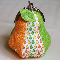 Mic-O-Pear Metal Frame Coin Purse - this is just so darn cute!!  I wish I could a) find time to sew and b) know how to sew!!!