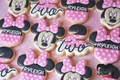 Minnie Mouse Cookies for a birthday party. Mickey Mouse Clubhouse Cake, Minnie Mouse Theme Party, Minnie Mouse Birthday Cakes, Birthday Cookies, Mickey Cakes, Mickey Birthday, Mini Mouse Cookies, Disney Cookies, 2nd Birthday Parties