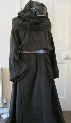 Monksoutfit - robe, scapular and cowl The Midgard Seamstress www.facebook.com/themidgardseamstress