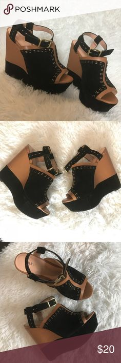 """Sole society """"so Daniella"""" opened toe wedges 7 Sole society wedges style """"So Daniella"""" tan and black leather wedges size 7, good condition, opened toe, small dents on the back barely noticeable. Sole Society Shoes Wedges"""