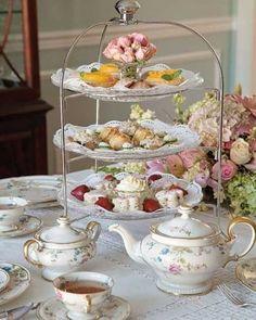 Tee Sandwiches, Finger Sandwiches, High Tea Sandwiches, Vintage Tee, Vintage High Tea, Tea Sets Vintage, English Afternoon Tea, English Tea Time, English High Tea