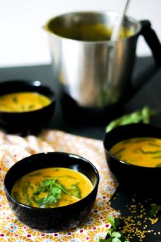 #Thermomix coconut turmeric soup Clean Eating Recipes, Raw Food Recipes, Soup Recipes, Vegetarian Recipes, Cooking Recipes, Healthy Recipes, Healthy Food, Thermomix Soup, Turmeric Soup
